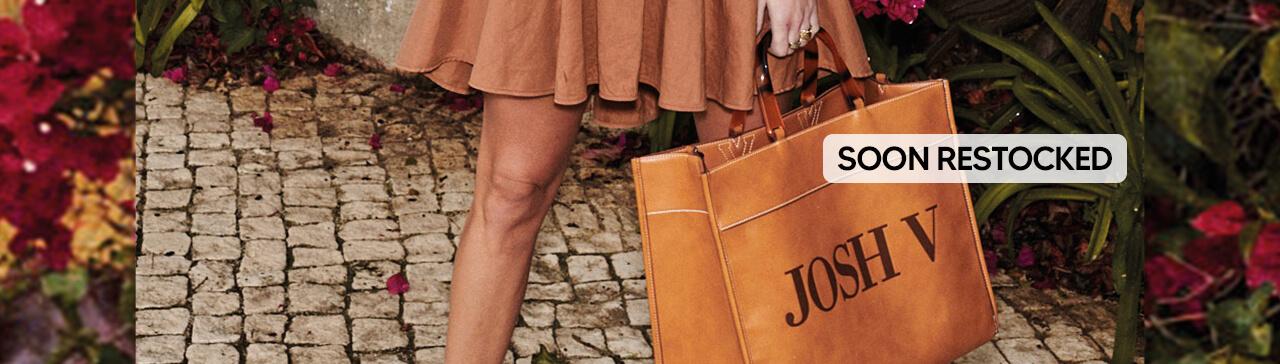 JOSH V Summer '21 - Renewed energy - Alexa bag Bronze